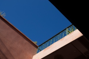 Blue sky above Marrakech © Carole Scott 2013